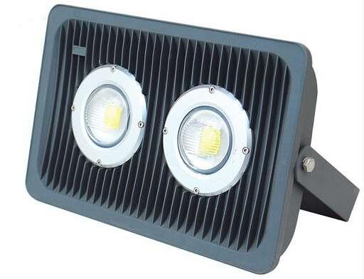 Как выбрать светодиодный прожектор 100 Вт: советы и отзывы