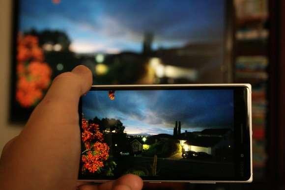 Как смотреть ТВ на айфоне с помощью приложения?