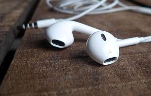 Как разобрать EarPods и почистить их?