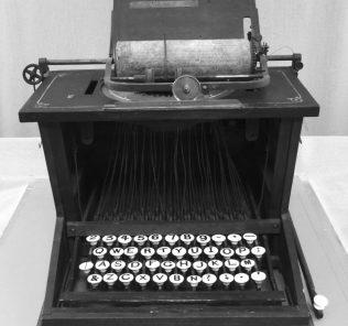 Компьютерная клавиатура: история создания, раскладка, современные модели