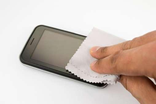 Как почистить экран телефона? Способы и рекомендации